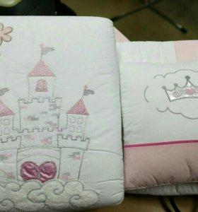Набор в кроватку бортики одеяло простынка