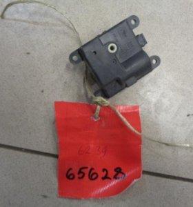 Моторчик заслонки отопителя  Инфинити FX/QX70 S50 2003-2007 .  3K06030851