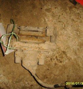 Суппорт задний левый  Мерседес Бенц М W164  Класс (МЛ) 2005-2011.  A1644232698