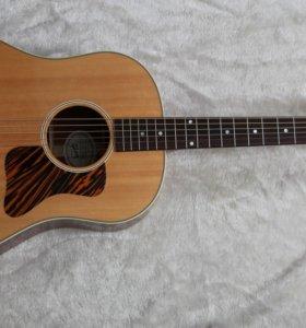 Gibson J-35, USA 2015