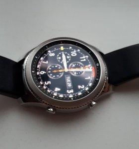 Продам часы Gear S3 classic