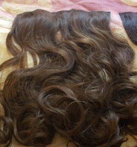 Волосы на заколках одной лентой