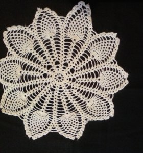 Декоративные ажурные салфетки, вязанные крючком