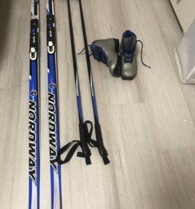 Лыжи (160), палки и ботинки к ним