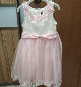 Платье на девочку, рост 98 см. Нарядное