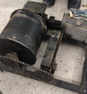 Электродвигатель с редуктором 380в
