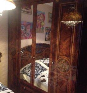 Спальная мебель в отличном состоянии