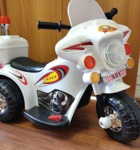 Электромобиль детский Мотоцикл с багажником