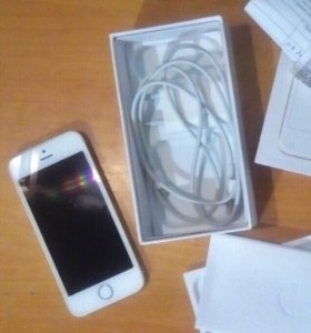 iPhone SE (16Gb, Gold)