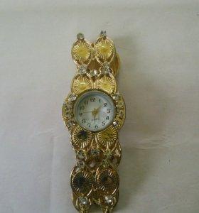 Часы (женские)