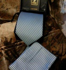Галстук. Набор в коробке, галстук+ платок.