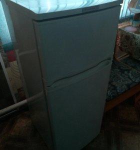 Продам рабочий холодильник!