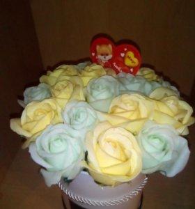 Букет роз в коробках подарочных