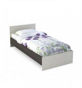 Новая кровать светлая