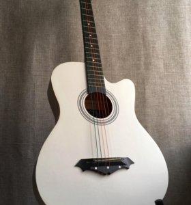 Гитара акустическая новая белая
