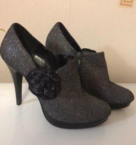 dd07b3ecd Женская обувь - купить модные туфли, сапоги, кроссовки, балетки для ...
