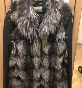 Жилетка из чернобурки с кожаной курткой
