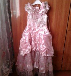 Платье розовое на праздник