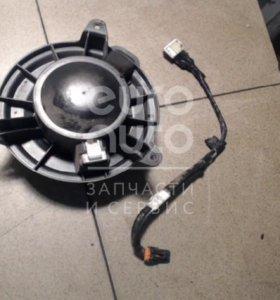 Моторчик отопителя Nissan Pathfinder (R51) 2005-2014; (27375ZF00A)