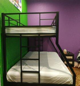 Кровать двухъярусная (металлическая)