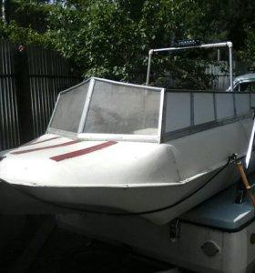 Лодку Романтика 2