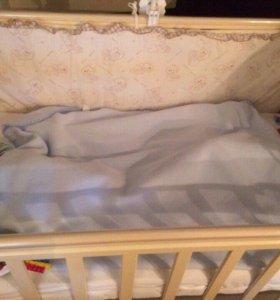 Кровать - маятник детская
