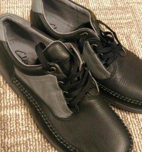 Кожаные новые ботинки Clarks