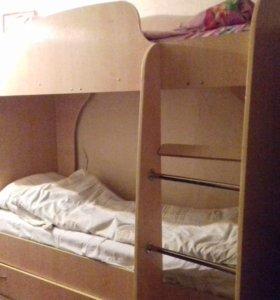 Продам двухярусную кровать