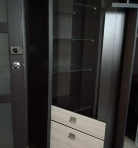 Шкаф + две полки