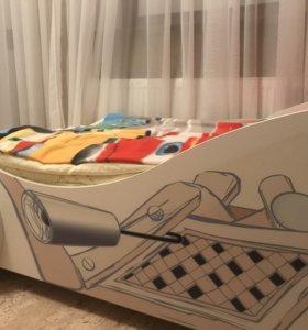 Кровать машинка и детская мебель
