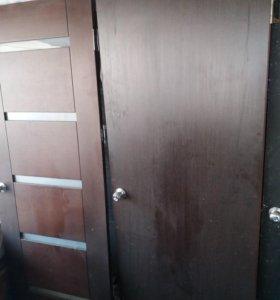 Двери межкомнатные3шт скоробкой