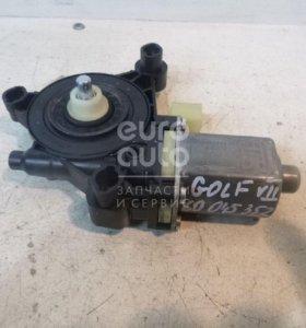 Моторчик стеклоподъемника VW Golf VII 2012-; (5Q0959802B)