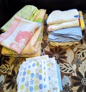 Одеяло и набор детские постельные принадлежно