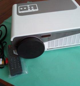 Профессиональный мощный проектор