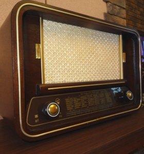 Blaupunkt Barcarole B525WH ламповый радиоприемник
