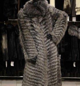 Пальто из меха чернобурки