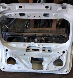 Дверь багажника Outlander 3