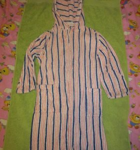 Махровый халат на рос 140 см, обмен