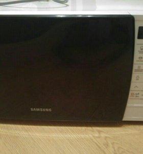 Микроволновая печь Samsung ME83KRQW