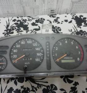 Спидометр на Тойота спринтер кариб 1999год