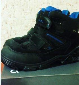 Демисезонные ботинки ECCO-35раз