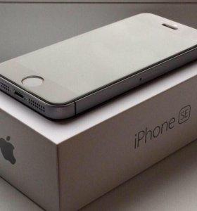 iPhone se 16GB черный