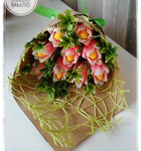 Букет из мыльных цветов «Тюльпаны Лилиецветные».