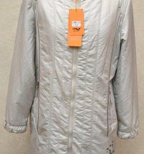 Пальто Весна р52,58 Жемчужно-белый Новое