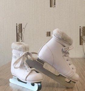 Фигурные коньки для девочки