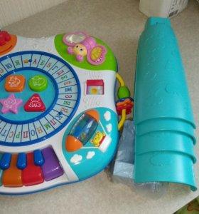 Развивающие игрушки.Столик,Куб,Пирамида