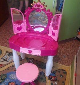 Туалетный детский столик
