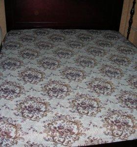 Большая двуспальная кровать с матрасом