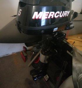 Продам лодку quicksilver 310+мотор меркури 4такта!