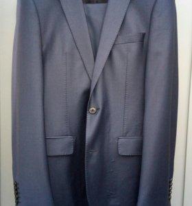 костюм cacharel